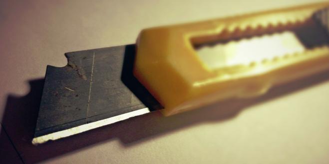 Falçata (Maket Bıçağı) Kesiklerinde Evde İlk Yardım Tedavisi