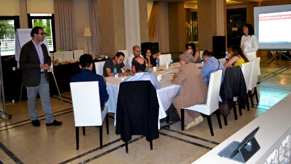 Ek İş : Akşamları Marka ve Piyasa Araştırma Toplantılarına Katılma