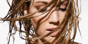 Yağlı Saçlara Çözüm, Saç Yağlanması Azaltan Şampuan ve Maskeler