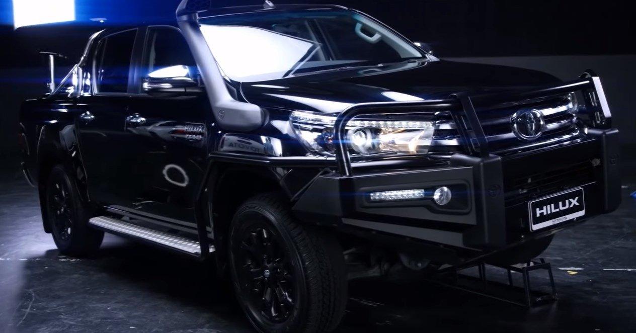 Toyota-Hilux-2017-3