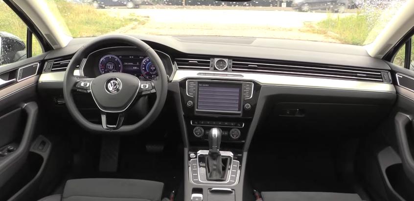 Volkswagen Passat 2017-5