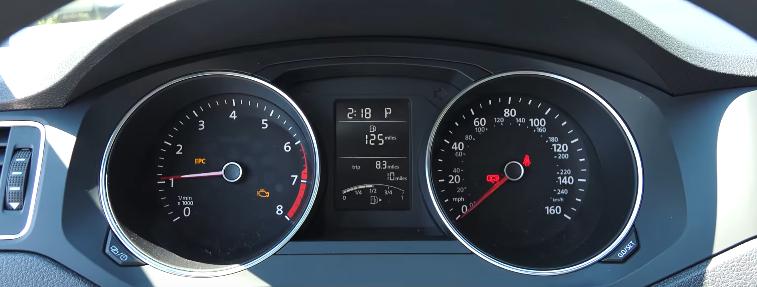 Volkswagen-Jetta-2017-4