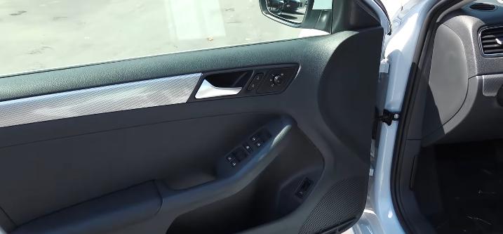 Volkswagen-Jetta-2017-motor-4