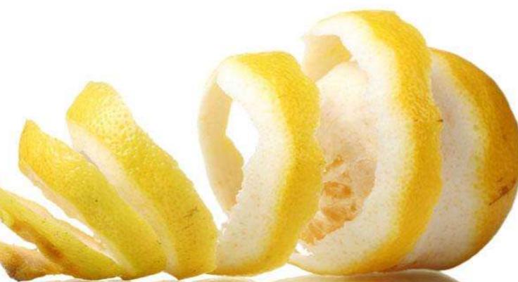 limon-portakal-kabugu-ile-ayakkabi-kokusu-giderme