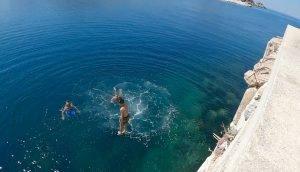 Marmara Adası Denizi Nasıl? Suyu Sıcak mı Soğuk mu? Dalgalı mı? Derin mi? Sığ mı?