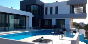 Çeşme Günlük Kiralık Villa Fiyatları 2021 (Lüks ve Havuzlu Villalar)