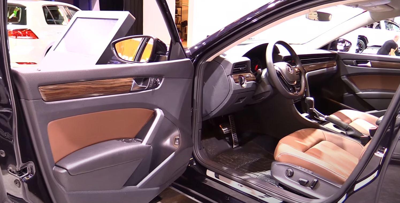 2021- Volkswagen-Passat